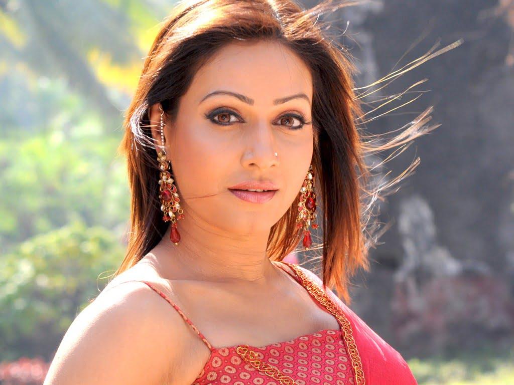 About Pakhi Hegde | Career | Husband | Age | Nick Name | Profile | Personal Life