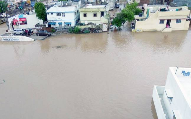 Gujarat floods, record 200 mm rain, 94 dead till now