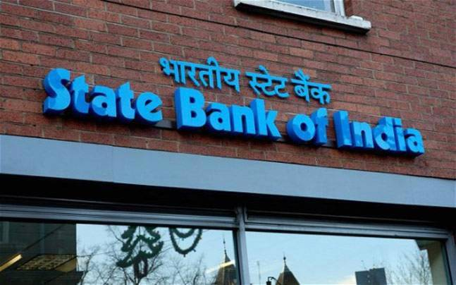 SBI & Bank Of Baroda Cuts Interest On Savings Account