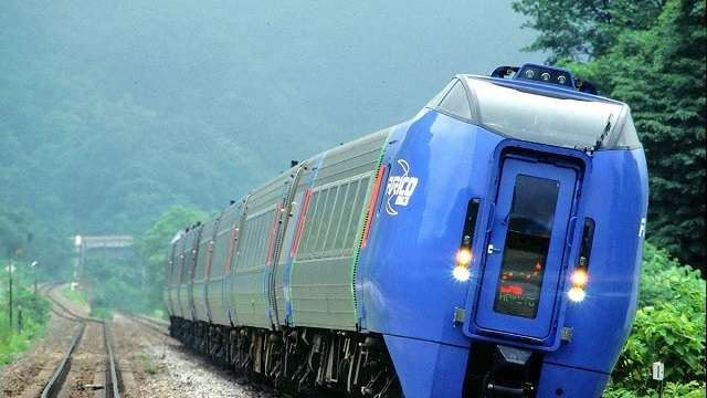 Govt of India Sign MoU With Switzerland For Swiss Tilting Trains