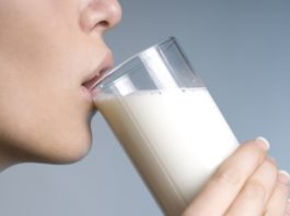 Health benefits of drinking milk daily for all age people